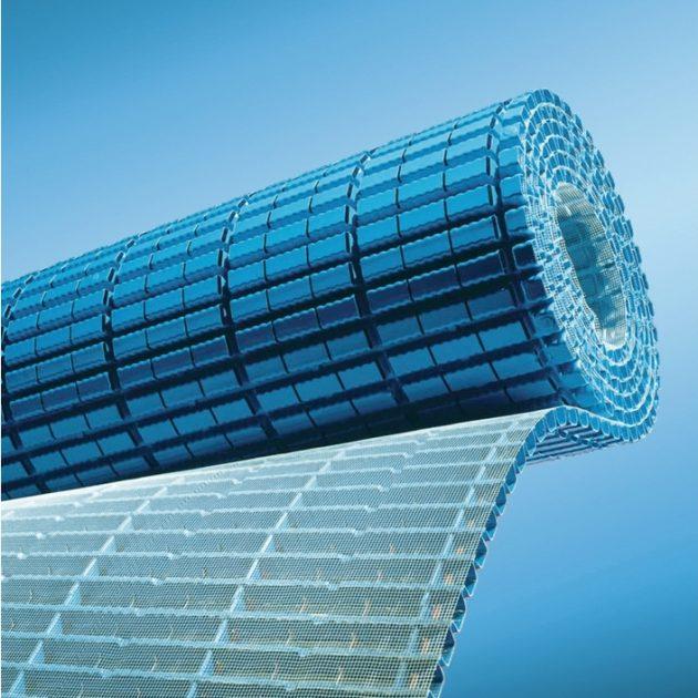 Drenāžas paklājs AquaDrain EK balkoniem terasēm jumtiem zem drenāžas javas ar virspusē uzklātu speciālu filtrējošu audumu.