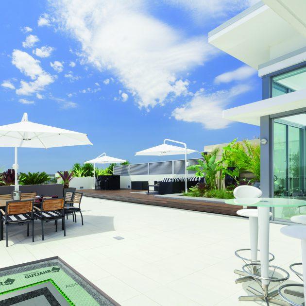 Virsmas drenāžas paklāji balkoniem un terasēm