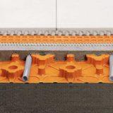 Ūdens apkures grīdas Schluter BEKOTEC-EN23F grīdas plāksnes ir siltās grīdas konstrukcija, ne plaisājošu, drošu, peldošo un apsildāmo klonu ierīkošanai
